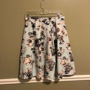 ShopStevie Le Lis brand A-line skirt